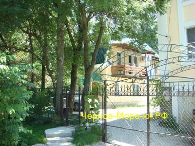 Гостевой дом «У Ручья» п. Кабардинка ул. Гайдара д. 14