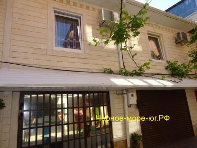 Гостевой дом «Маяк» г. Туапсе п. Новомихайловский ул. Парковая д. 40