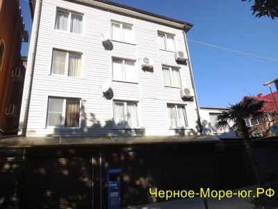Гостевой дом по ул. Калараш, 11 в Лазаревском