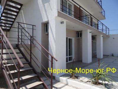 Гостиница «Солнечный берег» в Евпатории по ул. Морская, 9 (п. Заозёрное)